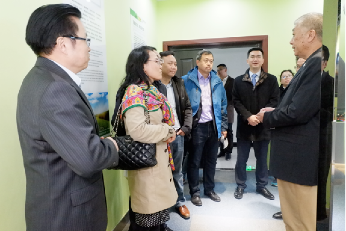 DuPont, Bayer, Pioneer, Syngenta and other internationally renowned seed industry representatives, visited the Kiwa's headquarter in Yangling.