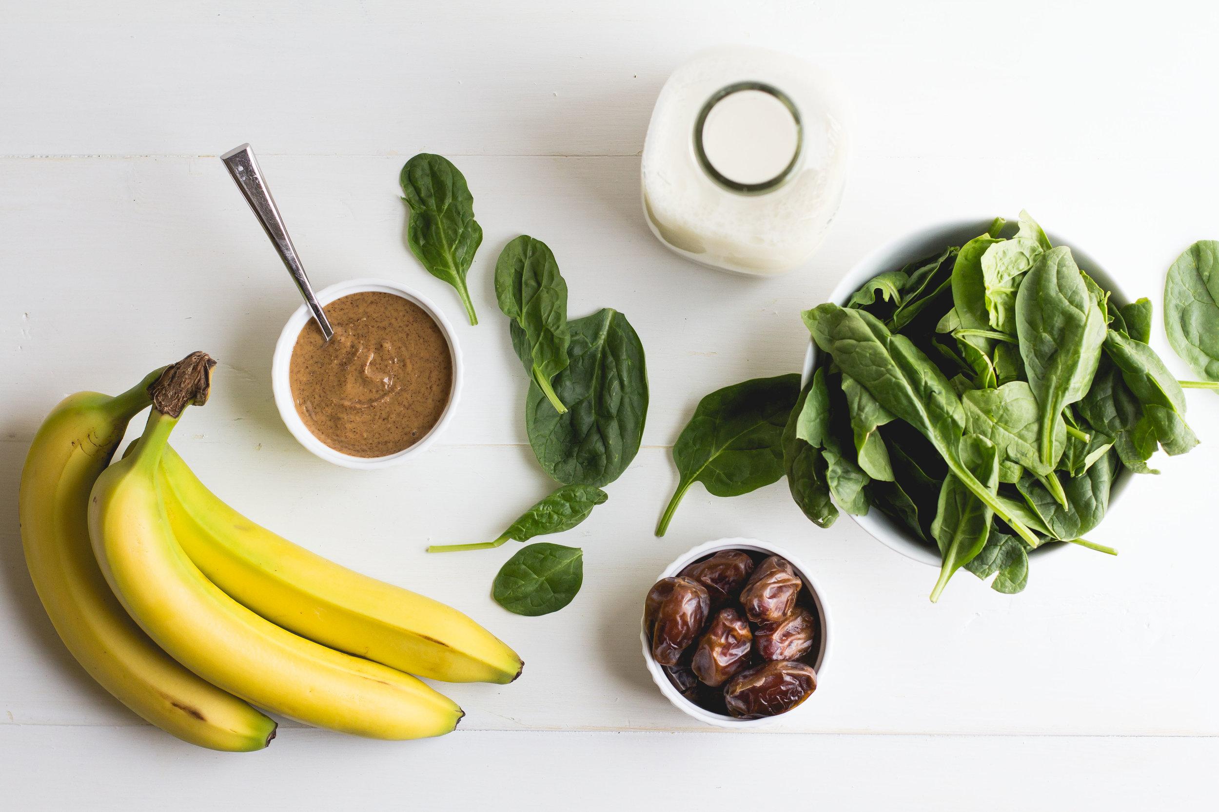 Green Breakfast Smoothie [paleo + vegan!]