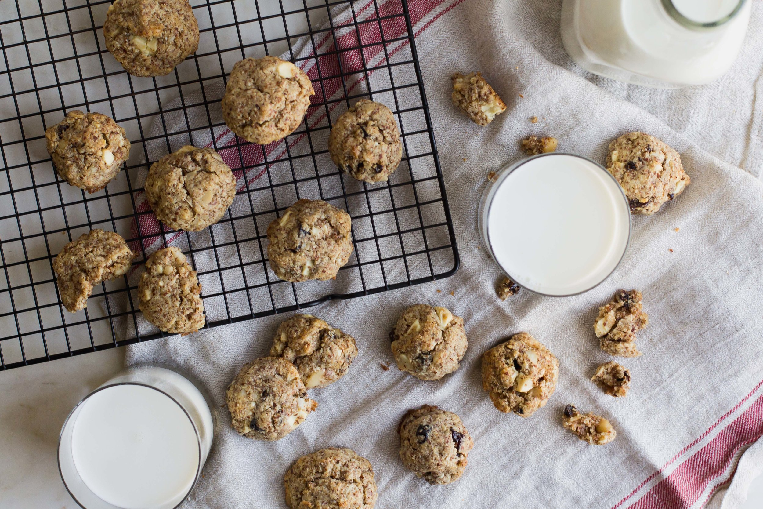 White Chocolate + Macadamia Almond Meal Cookies (Gluten Free!) | Sarah J. Hauser #cookies #glutenfree #almond #whitechocolate
