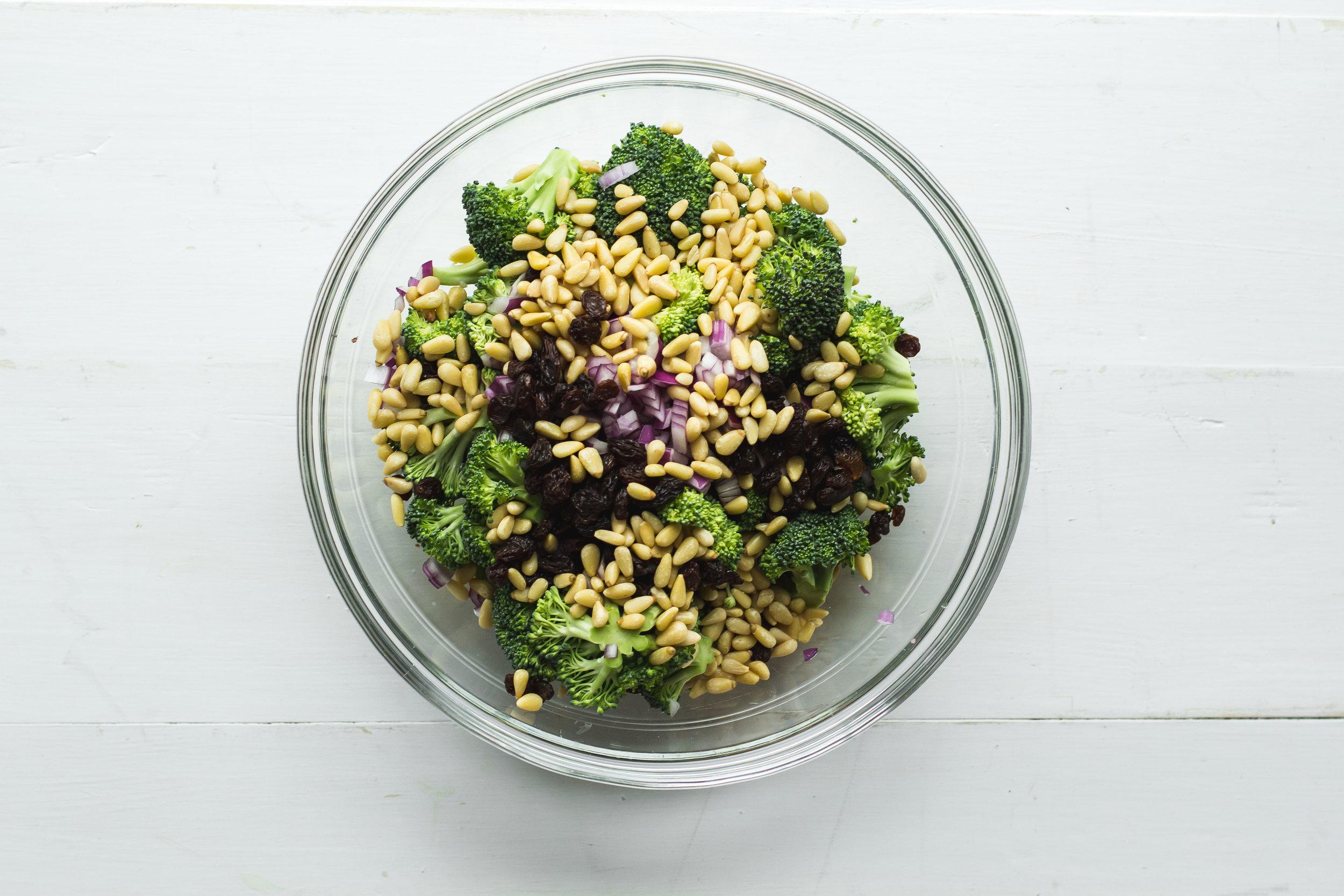 Paleo Summer Broccoli Salad | Sarah J. Hauser #dairyfree #glutenfree #summersalad #potluckrecipe #cookout #picnic