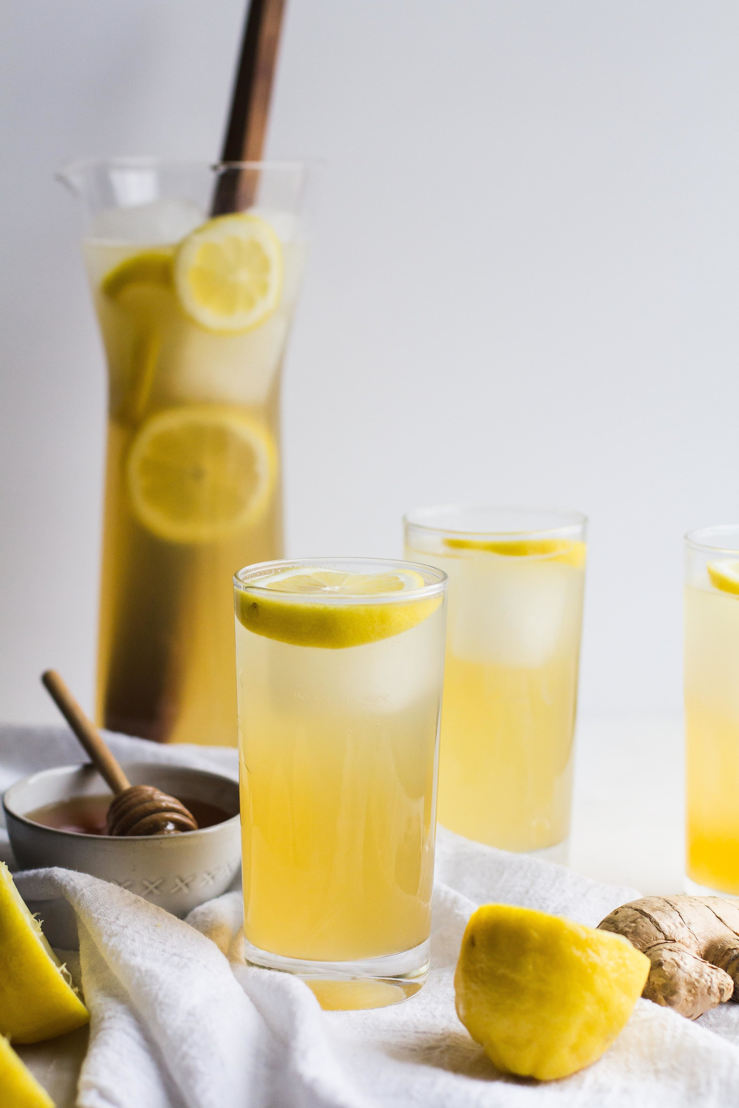 Ginger + Honey Sparkling Lemonade | Sarah J. Hauser #drinks #summer #lemonade