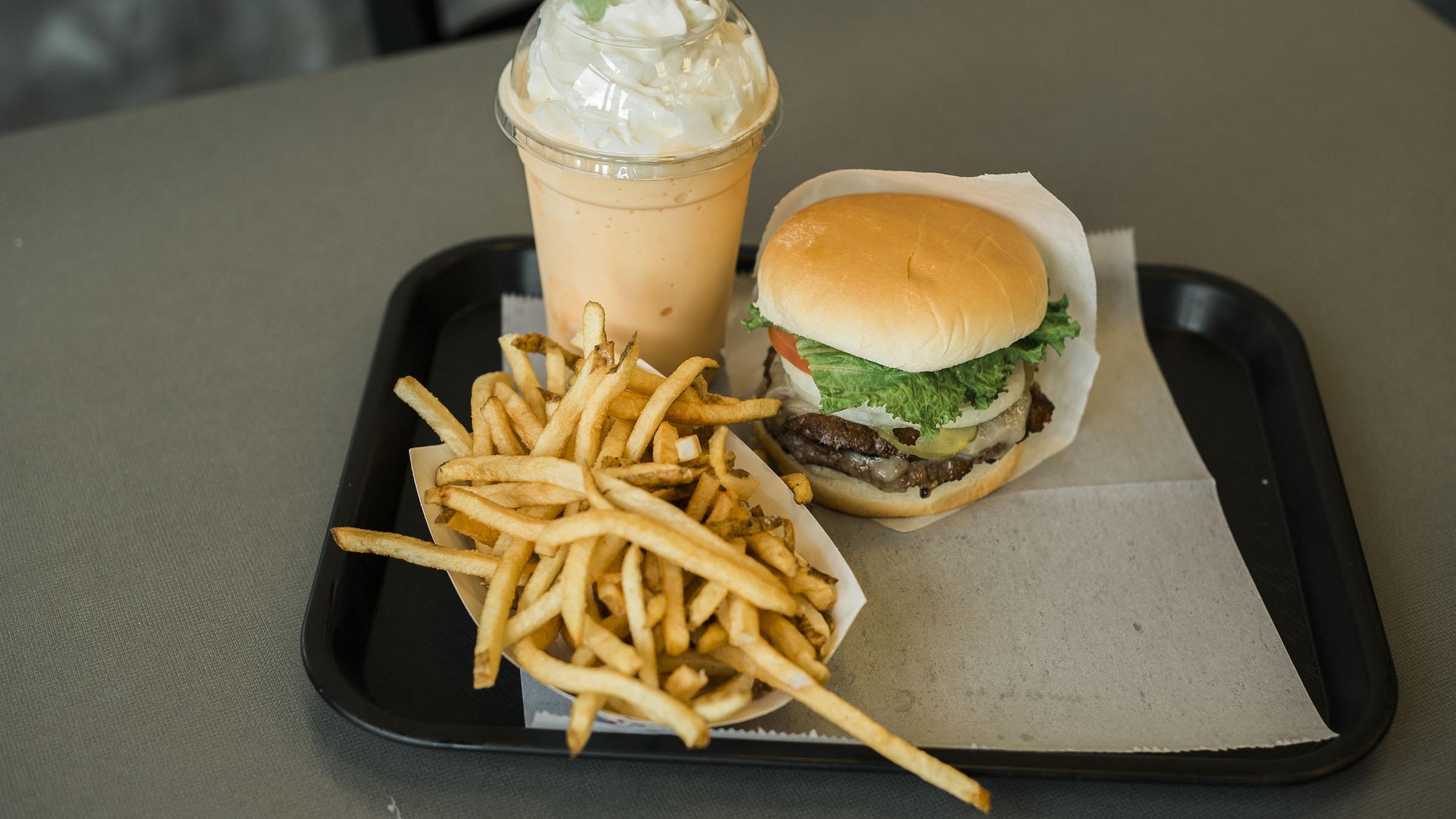 tonyburgers-big-american-story-00839.jpg