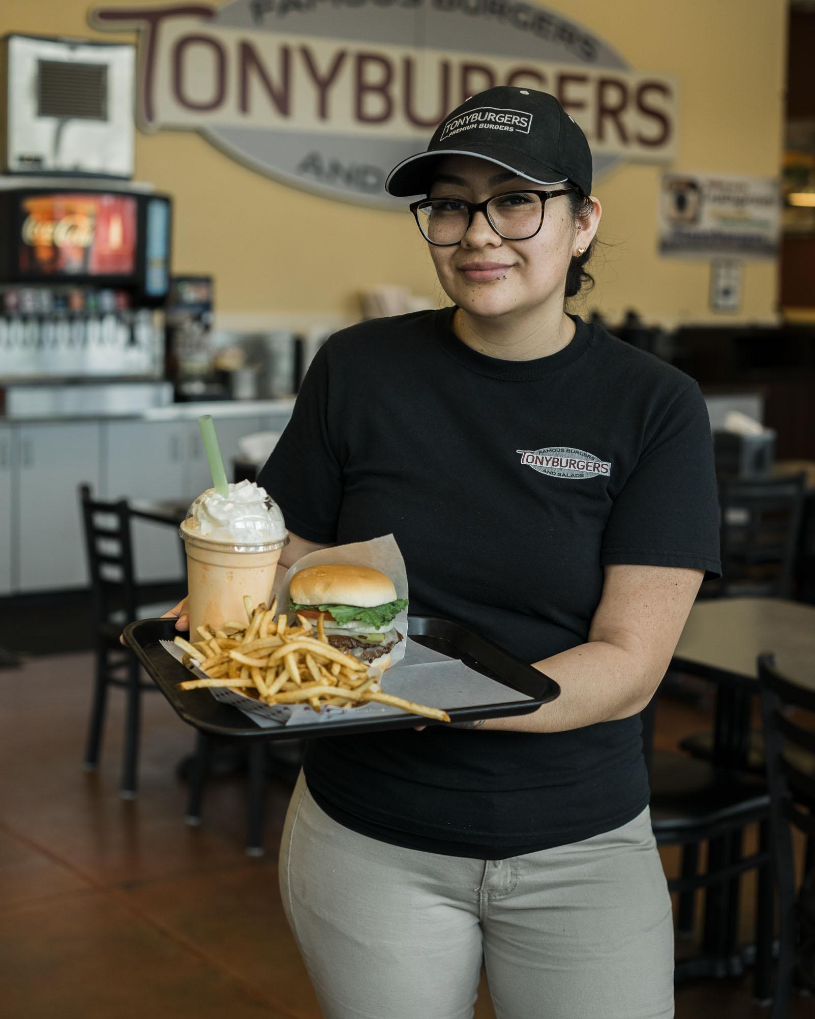 tonyburgers-big-american-story-00832.jpg