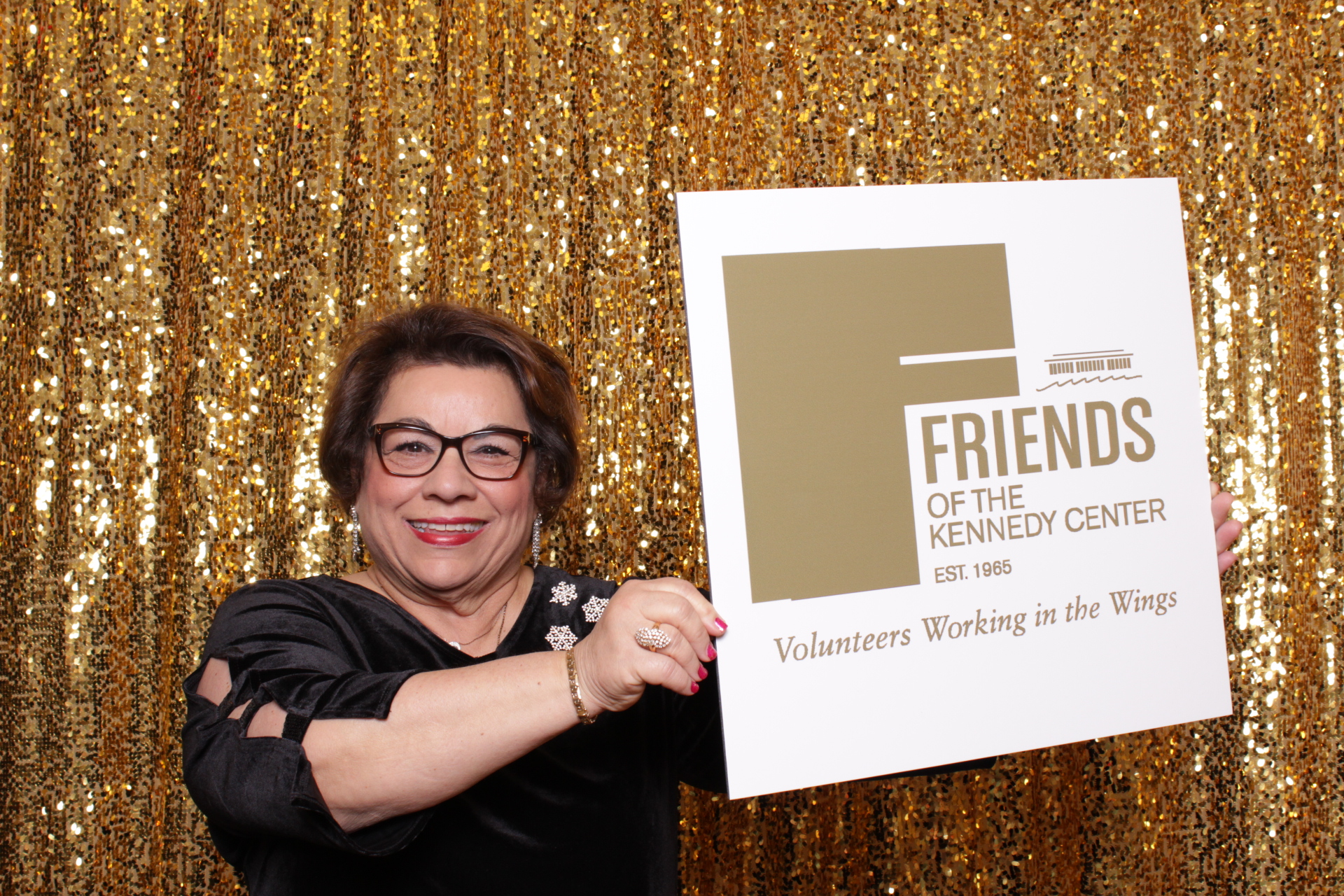 50TH ANNIVERSARY OF THE FRIENDS OF THE KENNEDY CENTER | HOT PINK PHOTO BOOTH