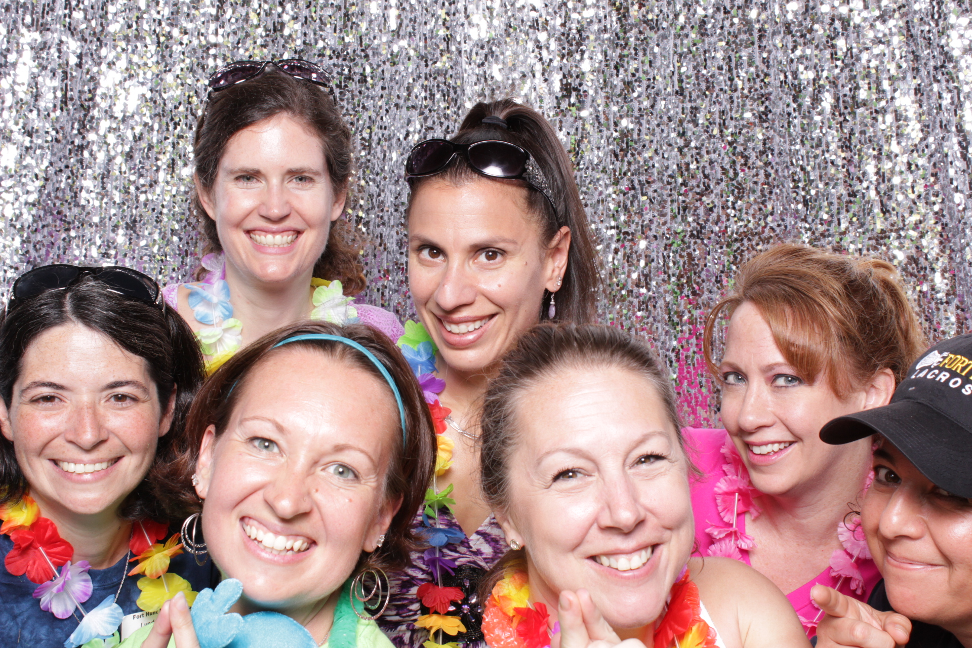FORT HUNT ELEMENTARY 6TH GRADE PICNIC | HOT PINK PHOTO BOOTH
