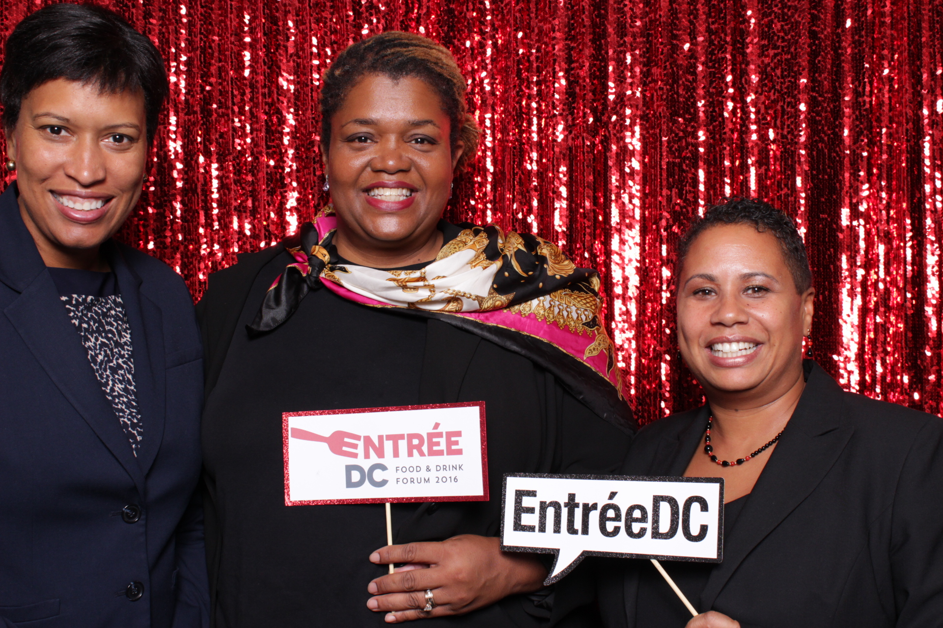 ENTREE DC | HOT PINK PHOTO BOOTH