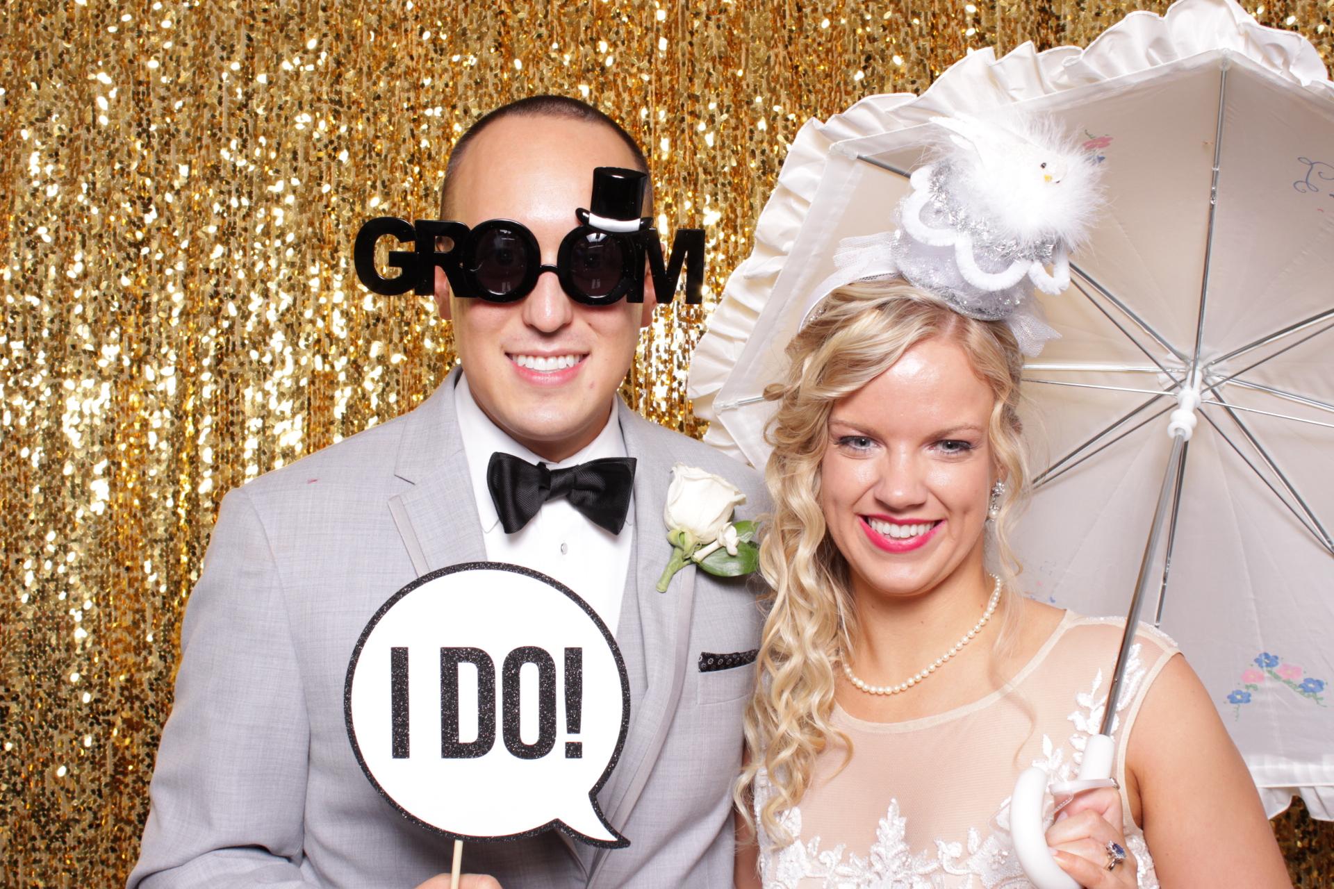 BACA WEDDING | HOT PINK PHOTO BOOTH