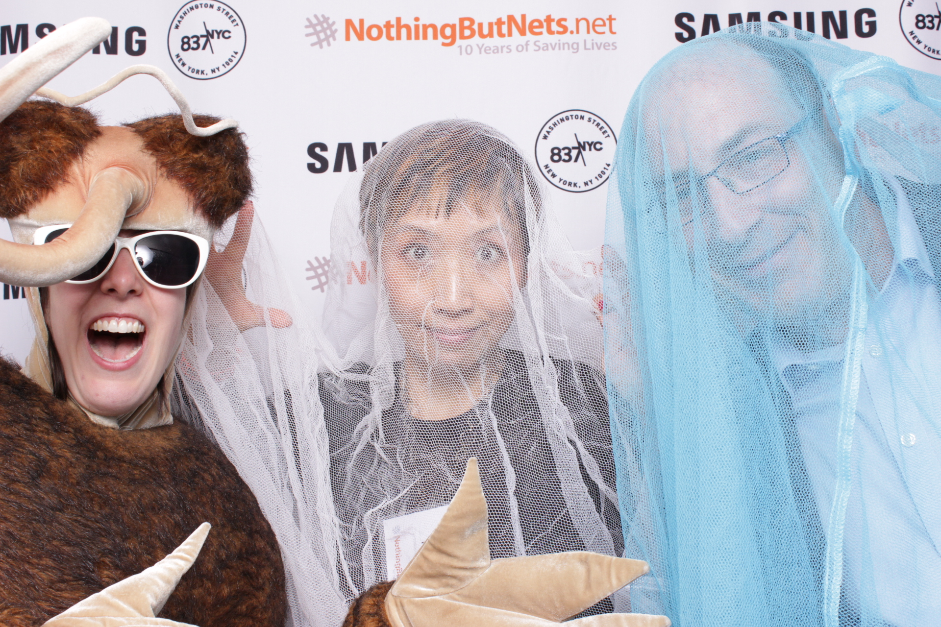 NOTHING BUT NETS | HOT PINK PHOTO BOOTH
