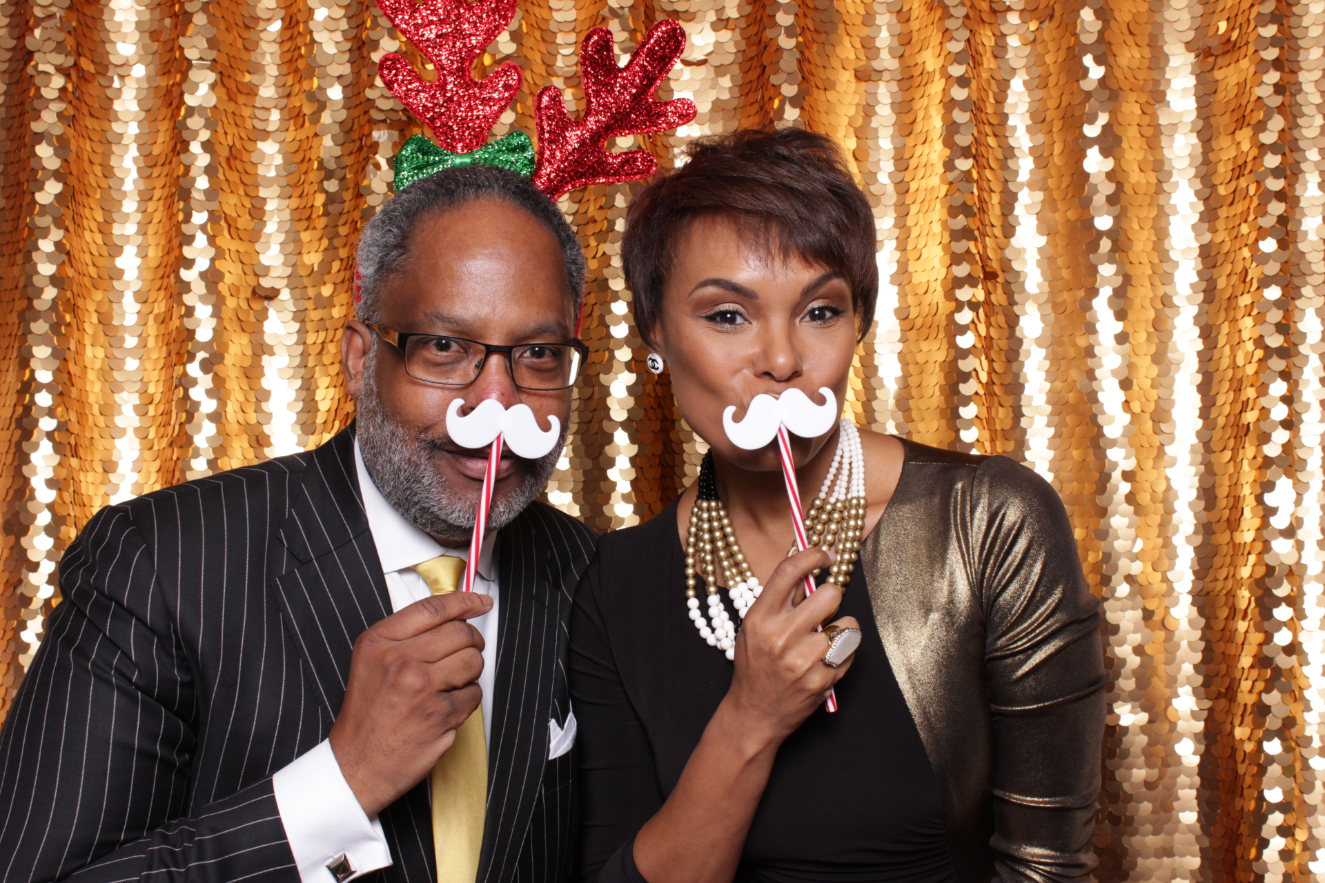 KORN FERRY HOLIDAY PARTY | HOT PINK PHOTO BOOTH