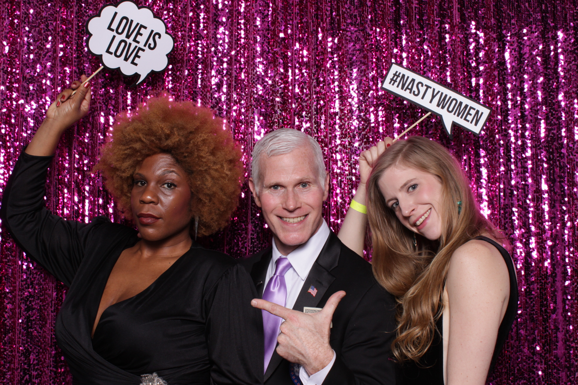 UNITY BALL DC | HOT PINK PHOTO BOOTH