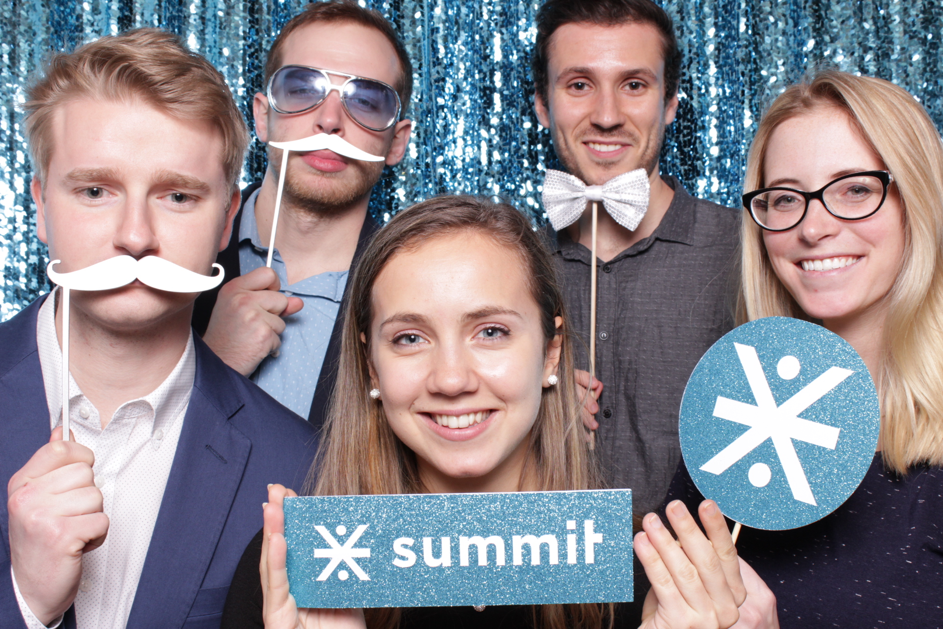 SUMMIT | HOT PINK PHOTO BOOTH