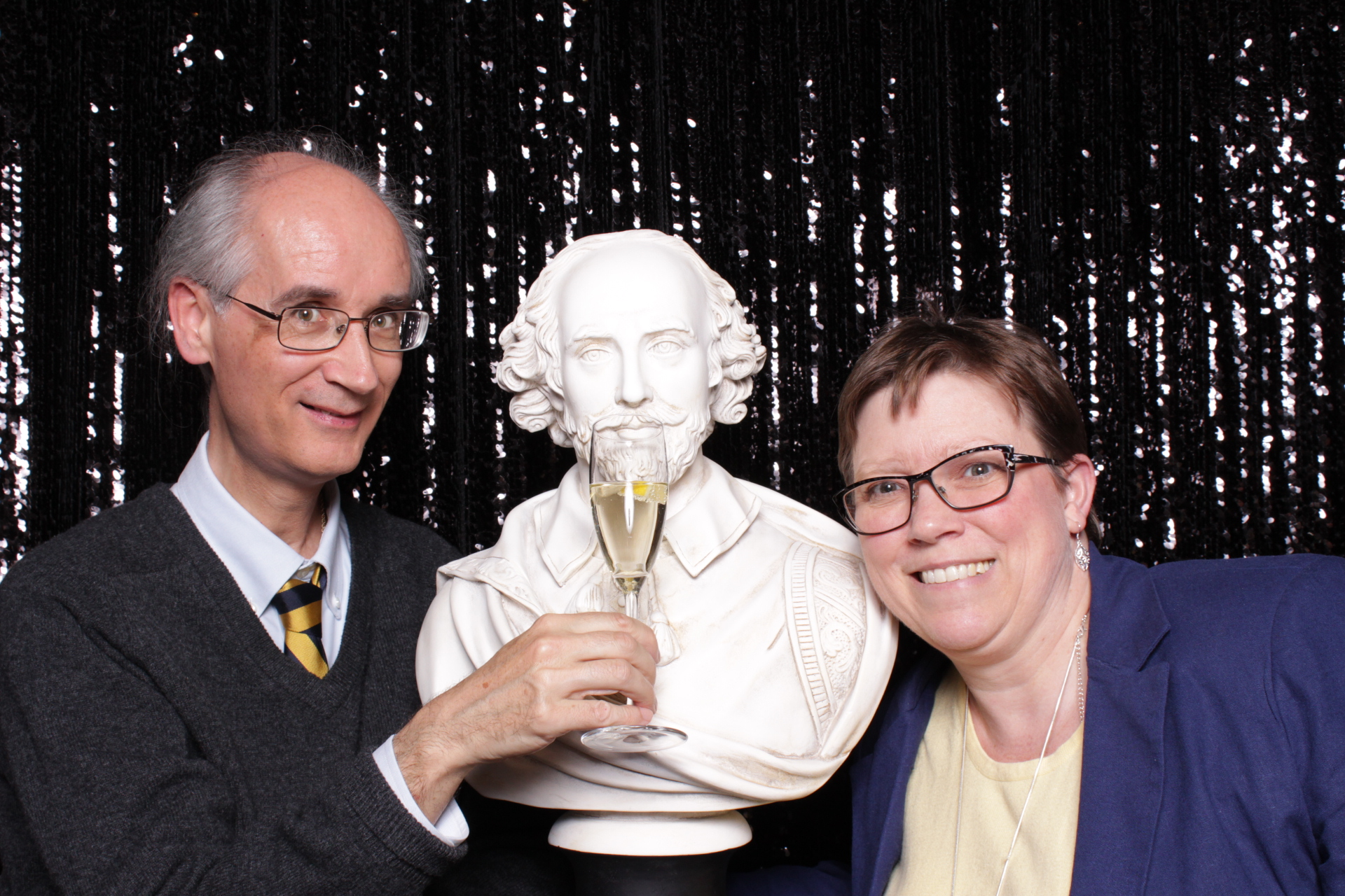 FOLGER SHAKESPEARE LIBRARY | HOT PINK PHOTO BOOTH