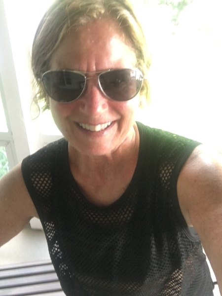I picked up this airy Lululemon tank at the Lululemon Outlet in Rehoboth Beach over Labor Day weekend and wore it for my 12-mile run along the boardwalk and around Gordon's Pond. This could be my MCM race-day shirt.