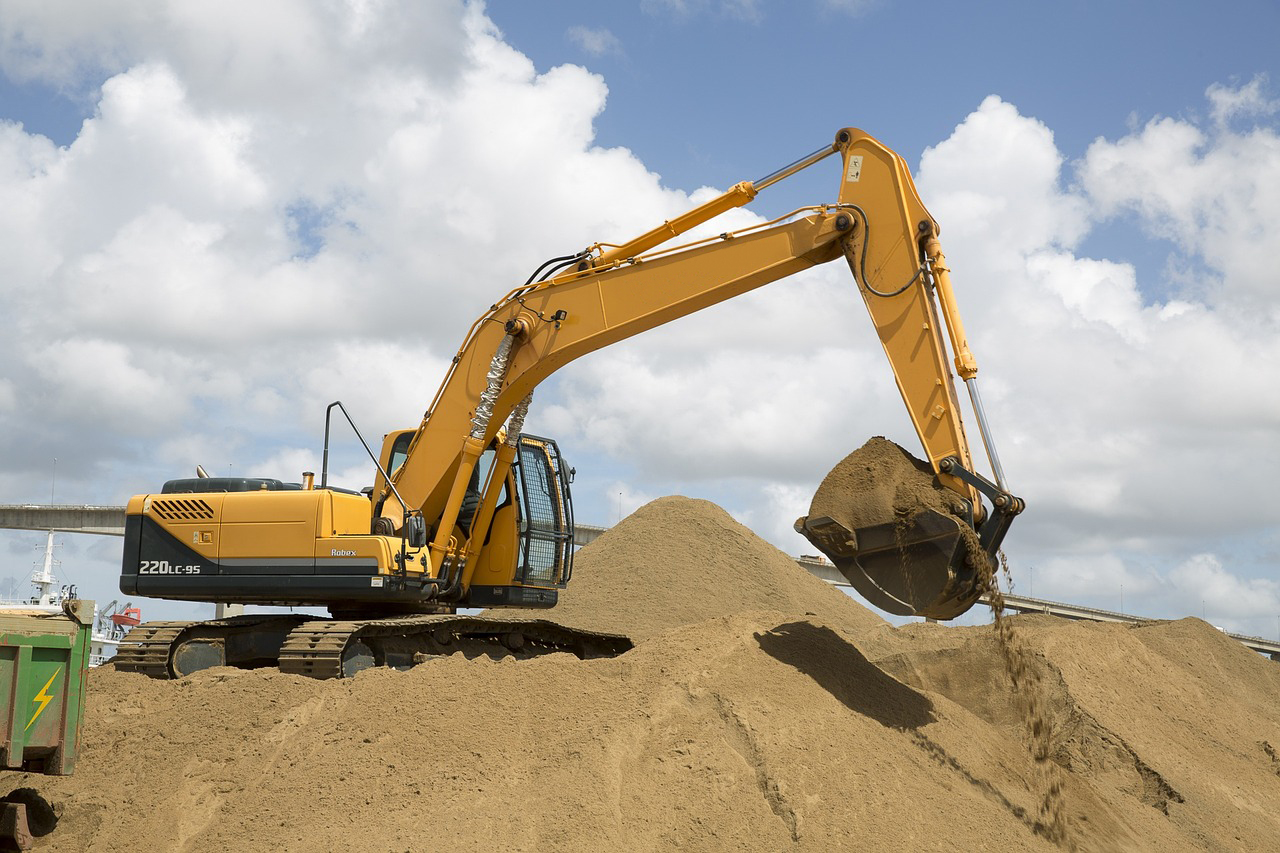 Tracked excavators are best used for uneven and soft terrain like dirt or gravel.