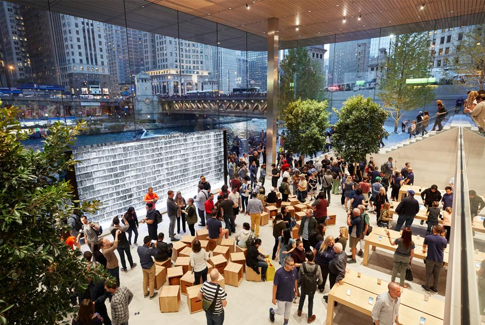 apple-michigan-ave-waterfront-retail-interior-960.jpg