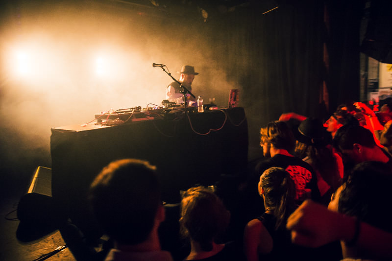 HUDSON-MOHAWK-AND-MR-CARMACK-AT-OXFORD-ART-FACTORY-PHOTO-BY-VOENA-2.jpg