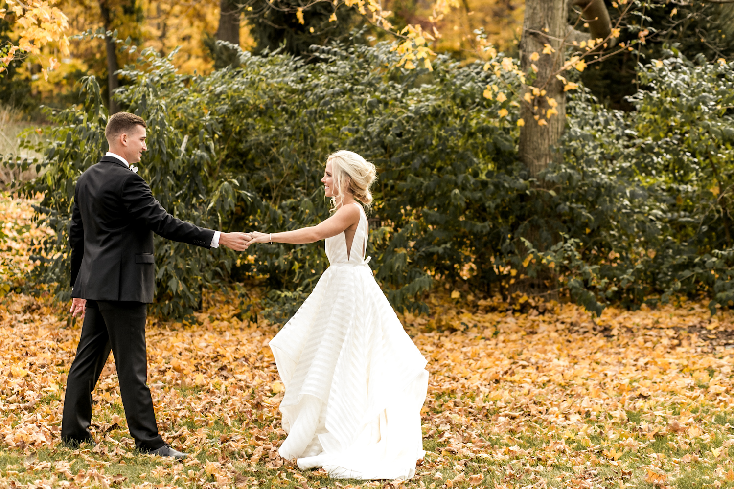 Fall Indiana wedding photo by Cassie Howard Photography