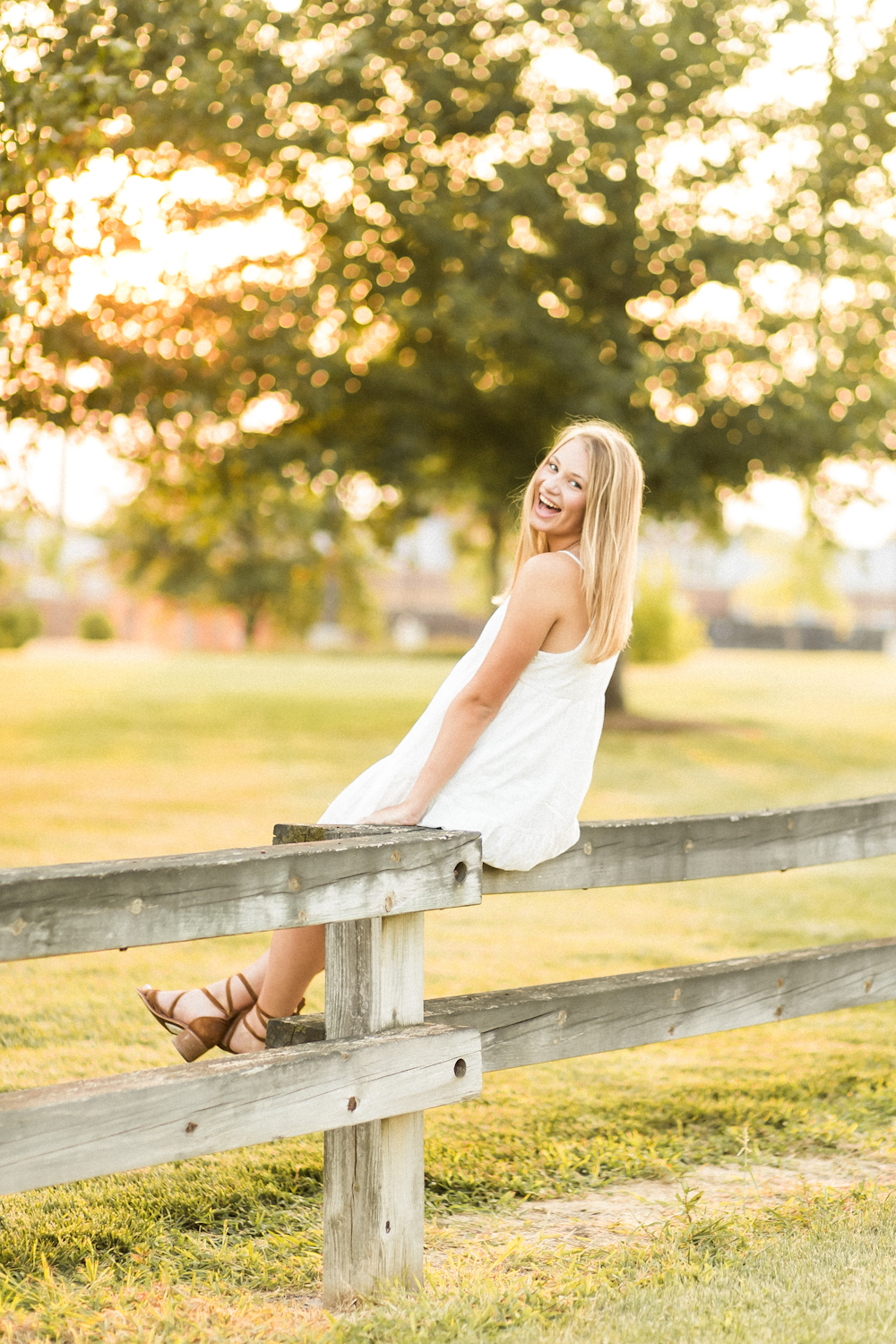 Summer senior session with Indiana Photographer Cassie Howard