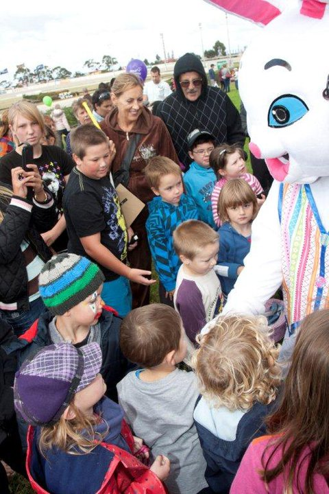 Easter-bunny-family-events-the-party-girl.jpg