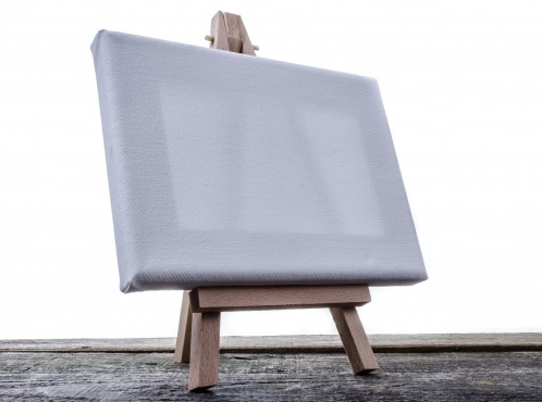 small-easel-with-a-blank-canvas-1385377654QWM.jpg