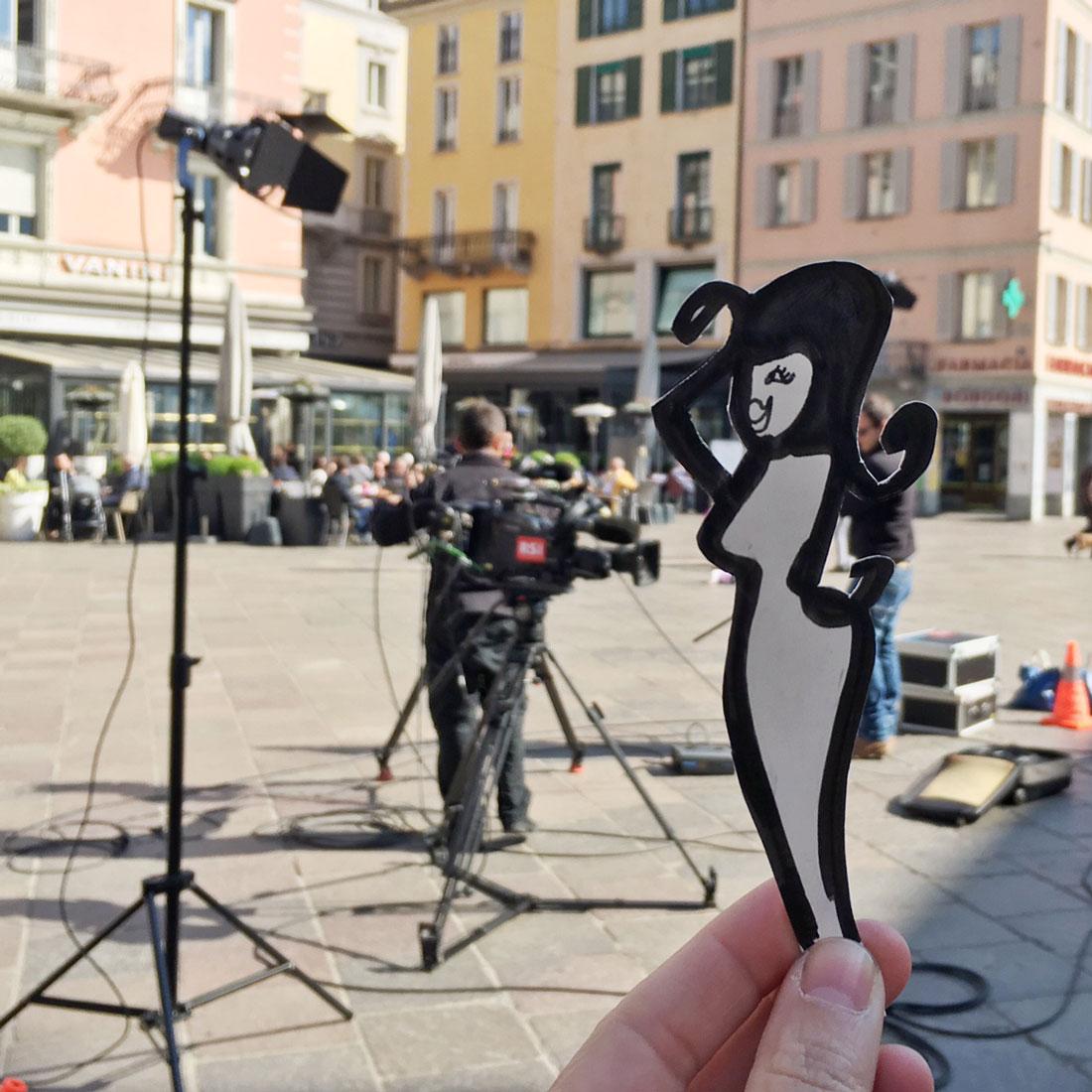 Telecamere e riflettori in città... ma chi sarà mai? Angelina? ;-)