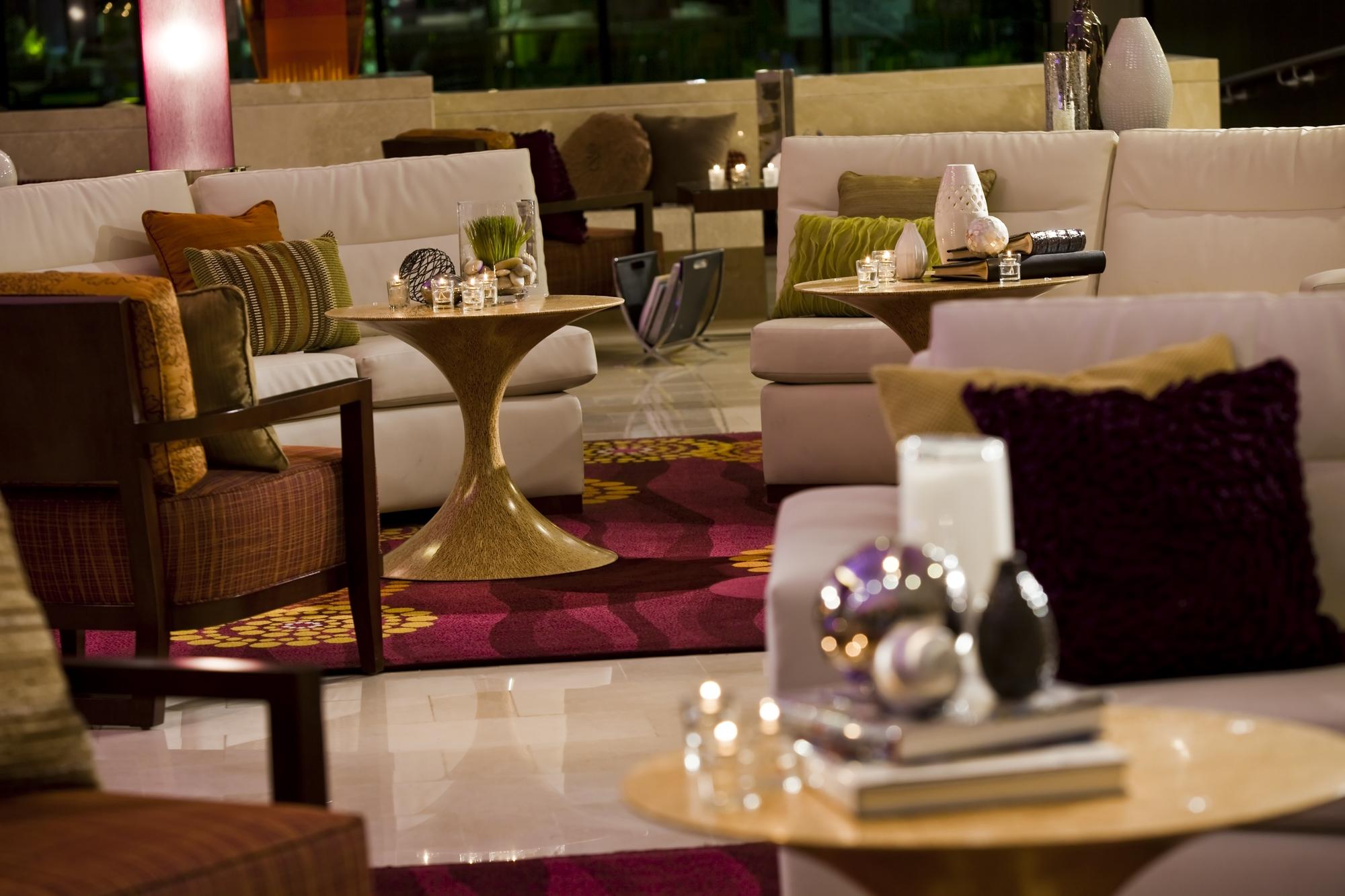 l1330882_Lobby_Lounge.jpg
