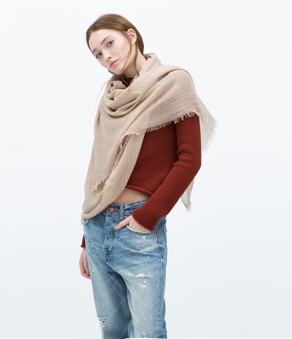 Basic Color Scarf €7.99 in taupe REF;  4219/229
