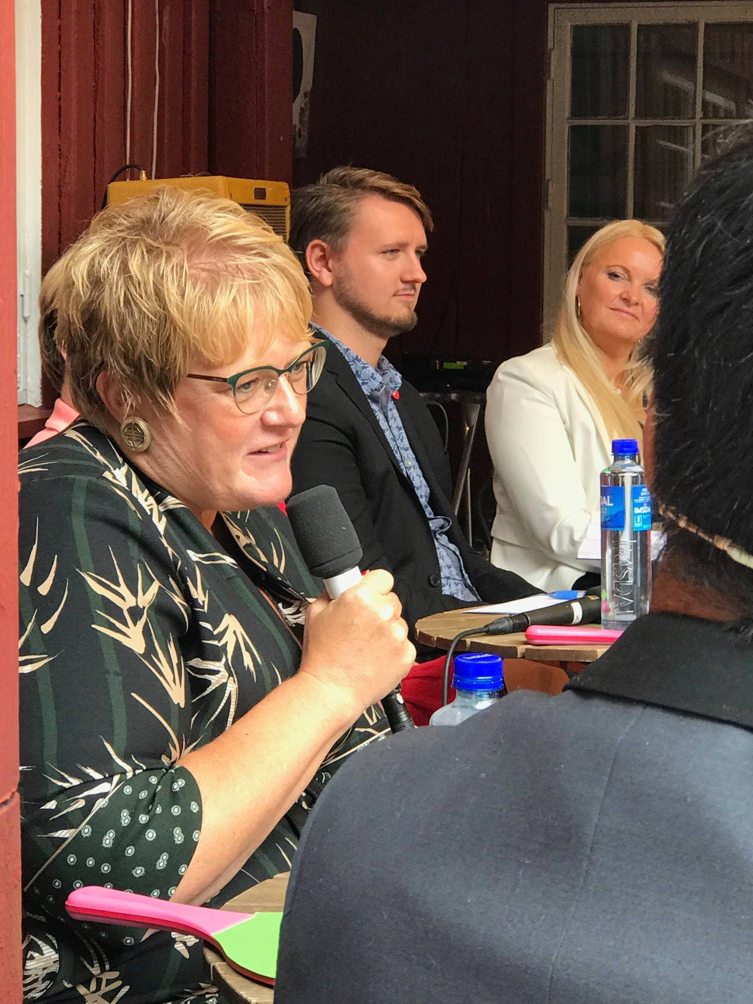 – Mye av det demokratiet vårt bygger på ligger i kulturen, sa Trine Skei Grande under Balansekunsts kulturdebatt.