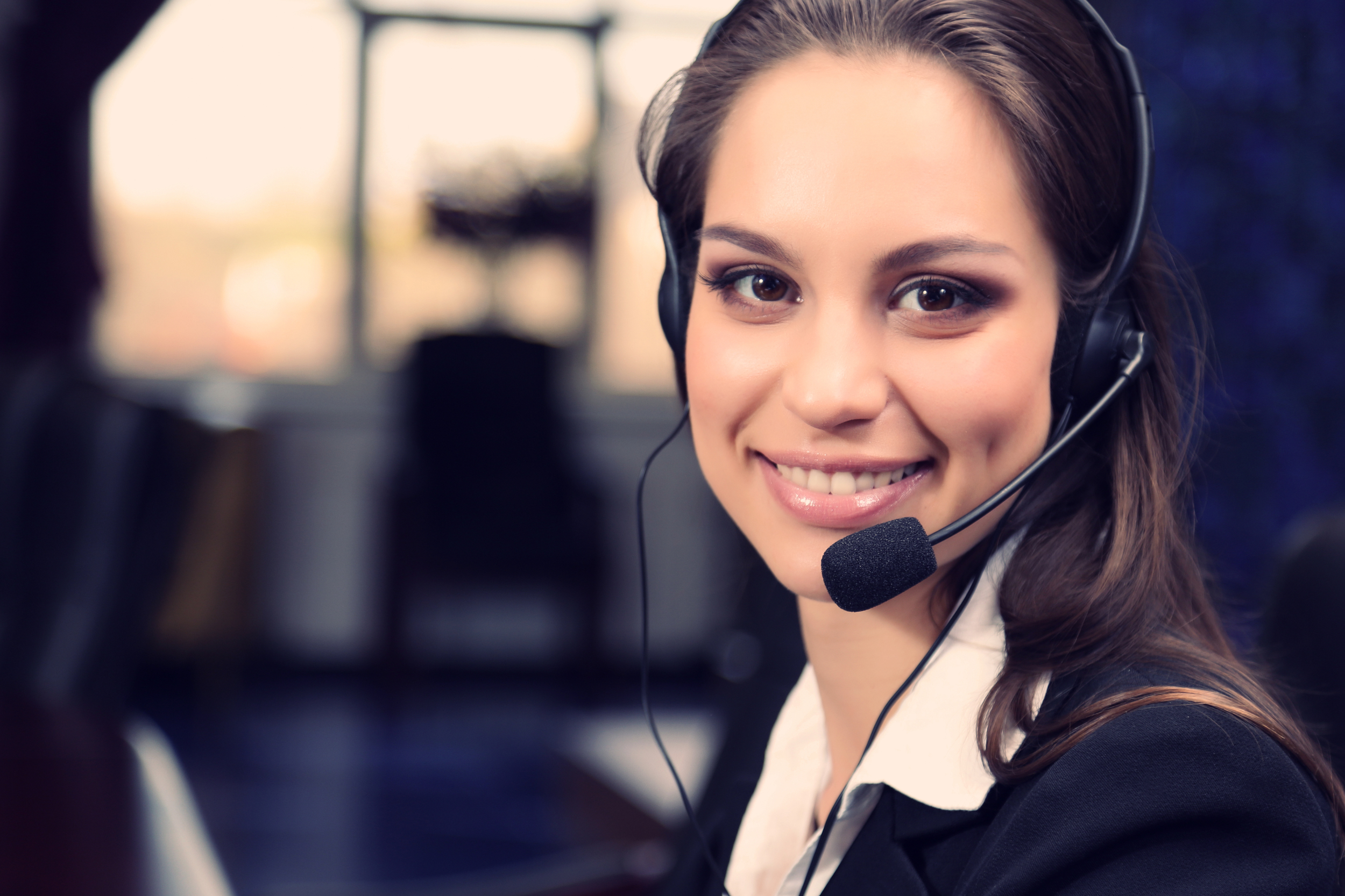 CALL CENTRE SERVICE -  Giulia , Elevami team