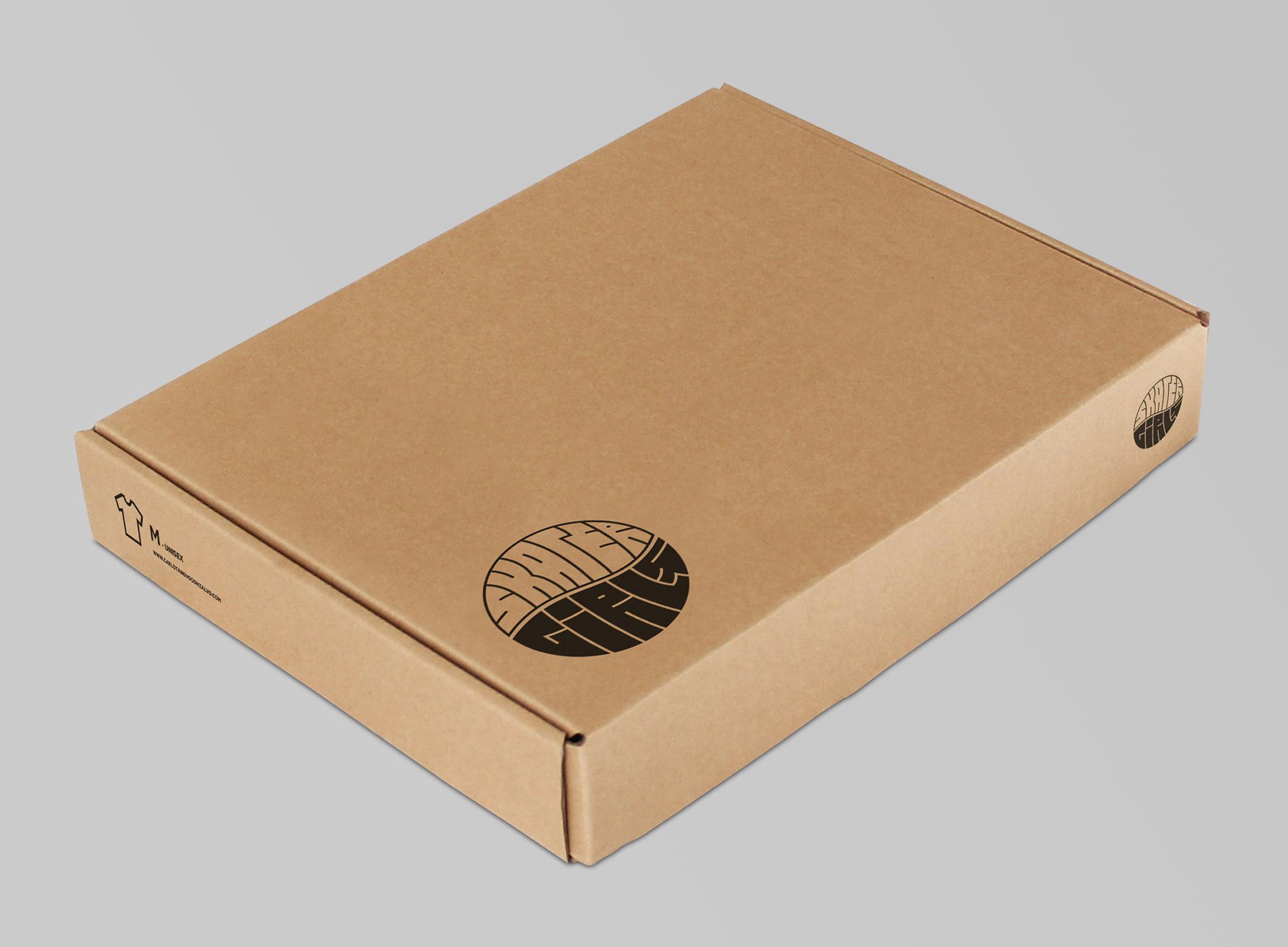 Skater-Girls-Shirt-Packaging-closed-zoom-1.jpg
