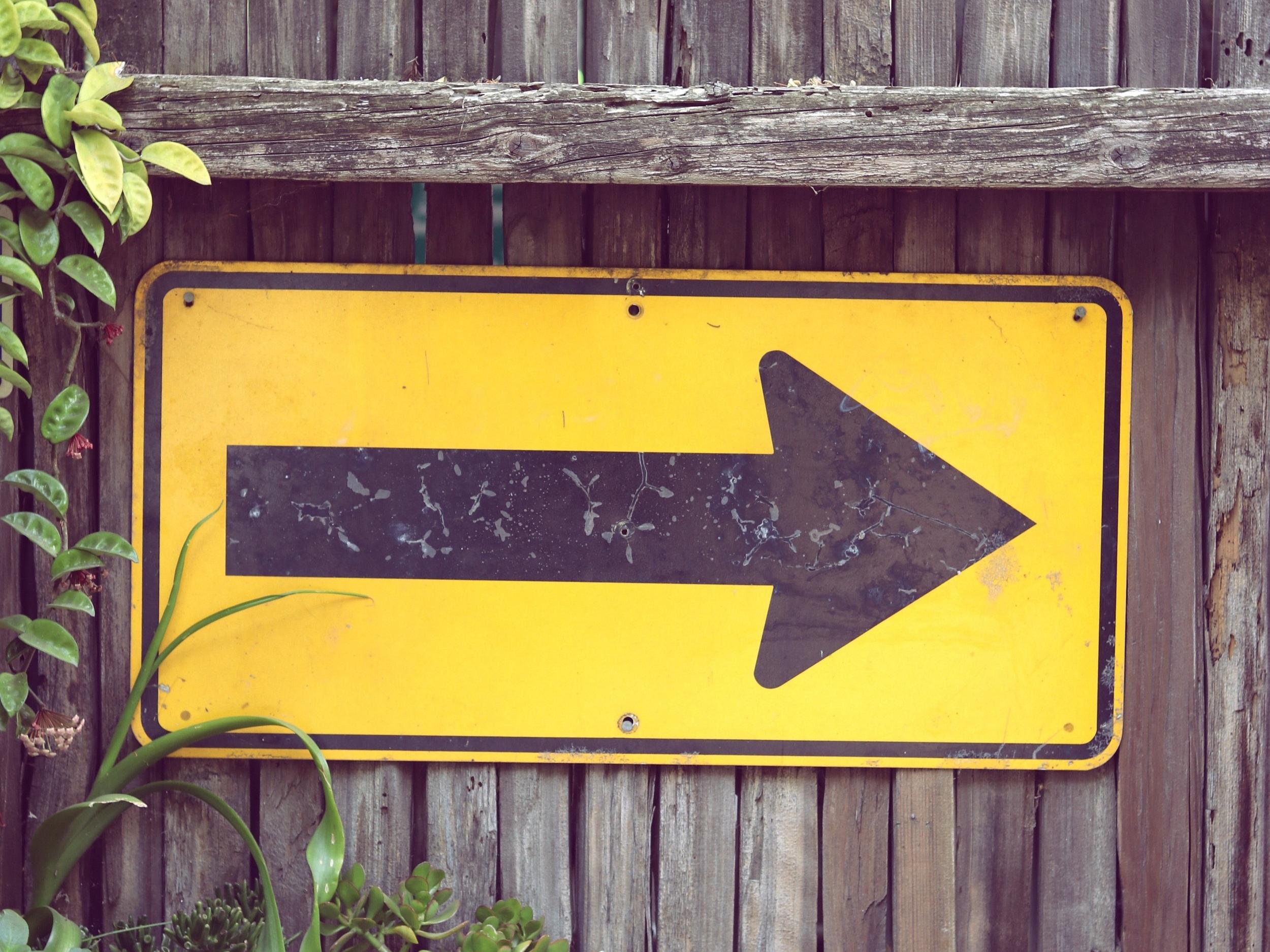 forward-arrow.jpg