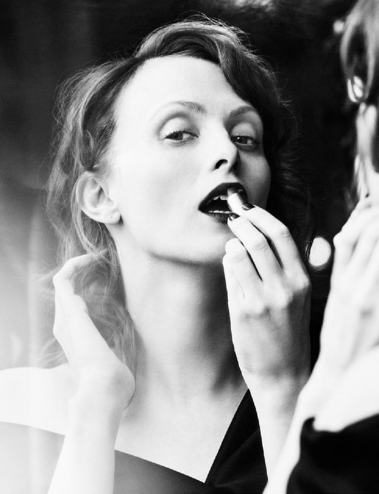 Beauty_main Karen Elson_Jo Malone 10pp_lowres_pdf-2.jpg
