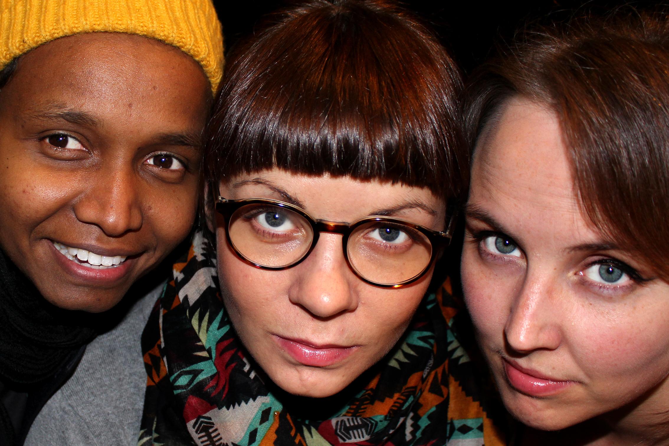 Nasra Omar, Charlotte Bendiksen og Anette Tunheim Jakobsen har aldri stått på samme scene før. De har skrevet musikk spesielt for Tromsø Arctic Pride og har konsert på Circa fredag 20.11