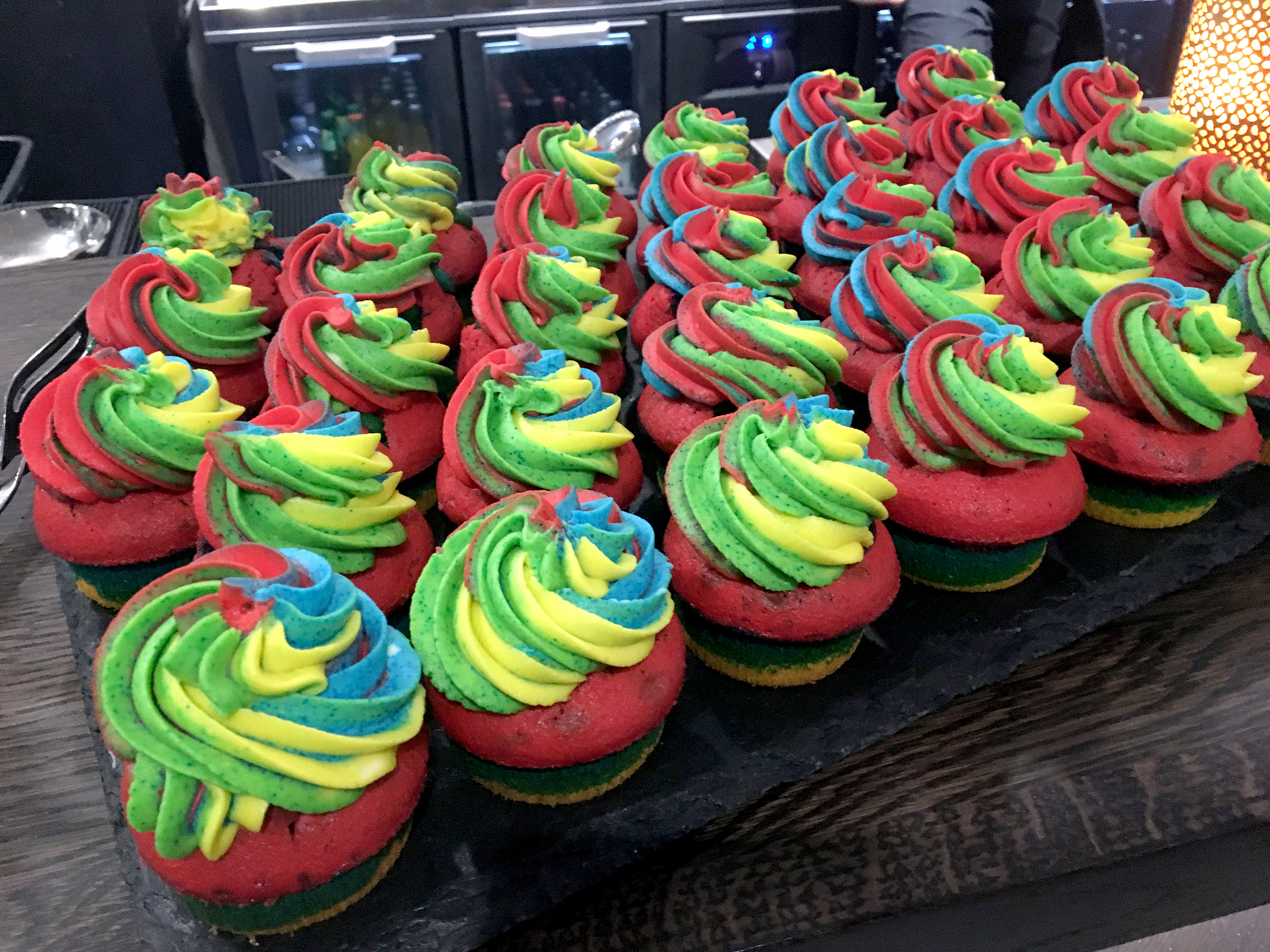Gay cup cakes.jpg