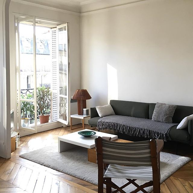 Williams family goes travelling. One massive comedy of errors (don't ask) and MANY very hot and humid hours later, they hit #airbnb gold. #lemarais #paris #travellingwithkids
