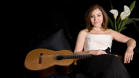 "Nostalgic NightsSaturday, November 16 | 8pmwith Berta Rojas, guitarGMU Harris Theatre - Ravel: Pavane for a Dead PrincessRodrigo: Concierto de AranjuezMozart: Symphony No. 35Prokofiev: Symphony No. 1 ""Classical"""
