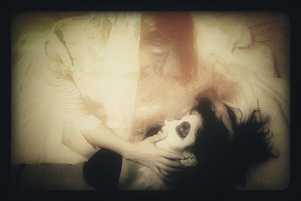 'Aubrey & Laura' (2013) Image courtesy of Kess.