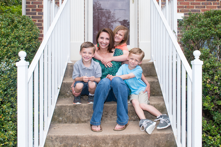 Annie Powell, 35, and her children, Cameron, 5, Emily, 8, and Jacob, 5, on May 7, 2016.  (Heidi De Marco / khn)