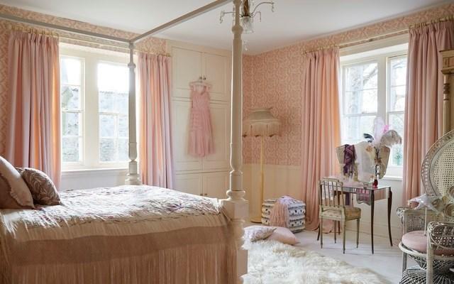 Bradenham pink pearl lowe.jpg