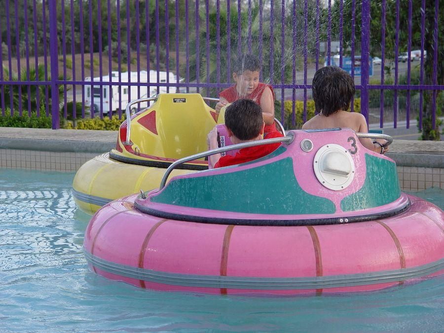 bumper-boats-oasis-fun-center-6.jpg