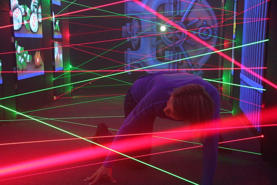 laser-maze-oasis-fun-center-1.jpg
