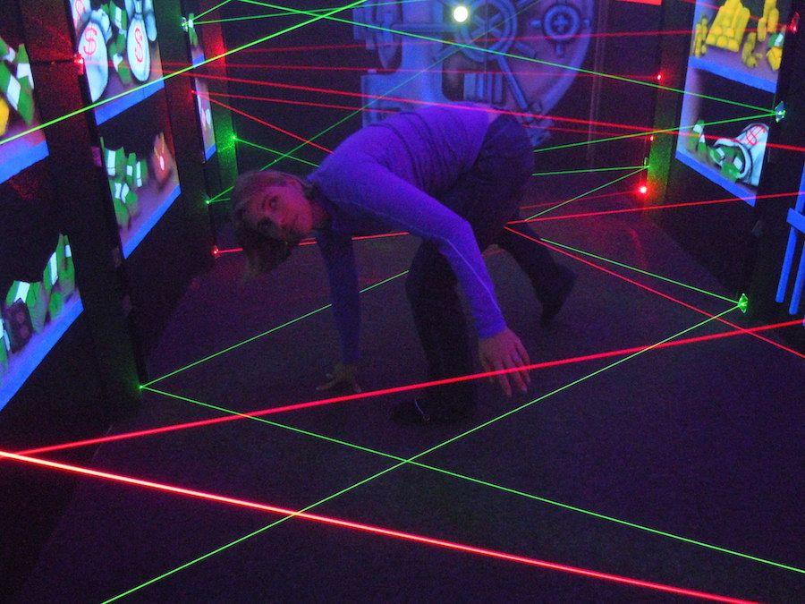 laser-maze-oasis-fun-center-2.jpg