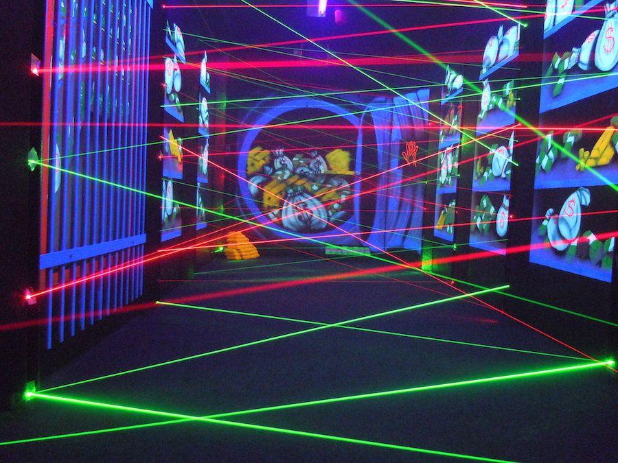 laser-maze-oasis-fun-center-6.jpg