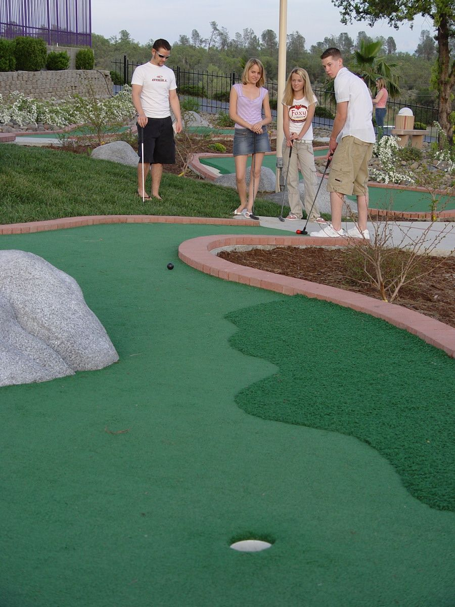miniature-golf-course-oasis-fun-center-3.jpg