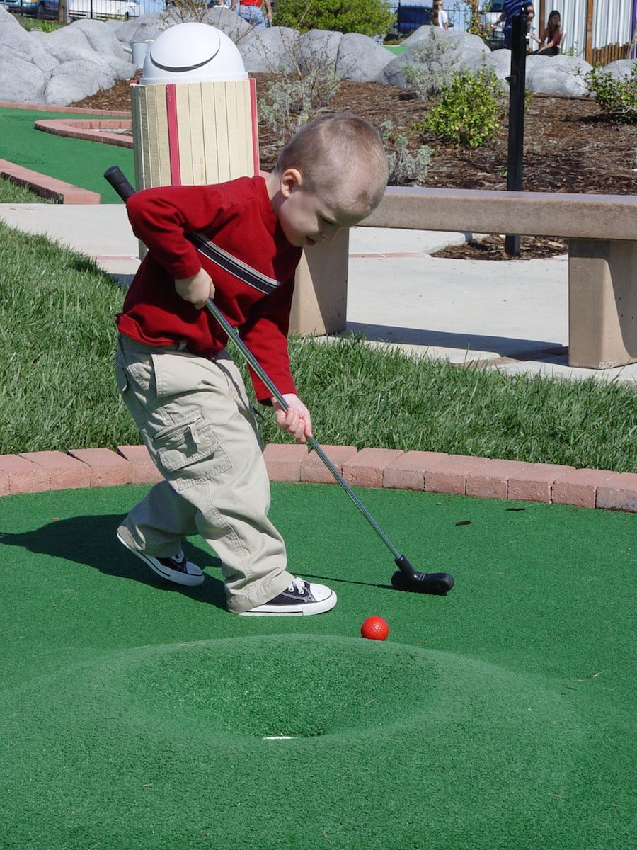 miniature-golf-course-oasis-fun-center-5.jpg