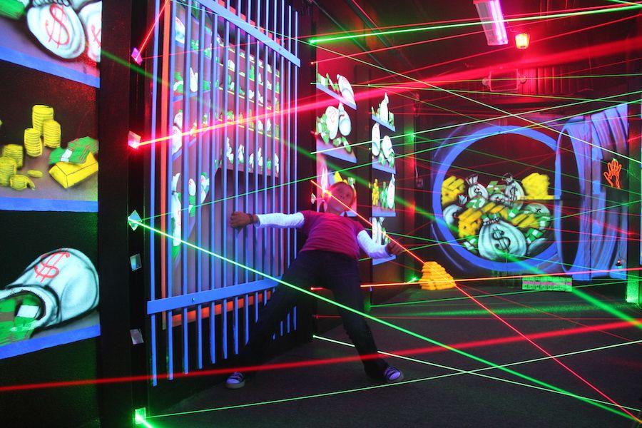 oasis-fun-center-gallery-laser-maze-4.jpg