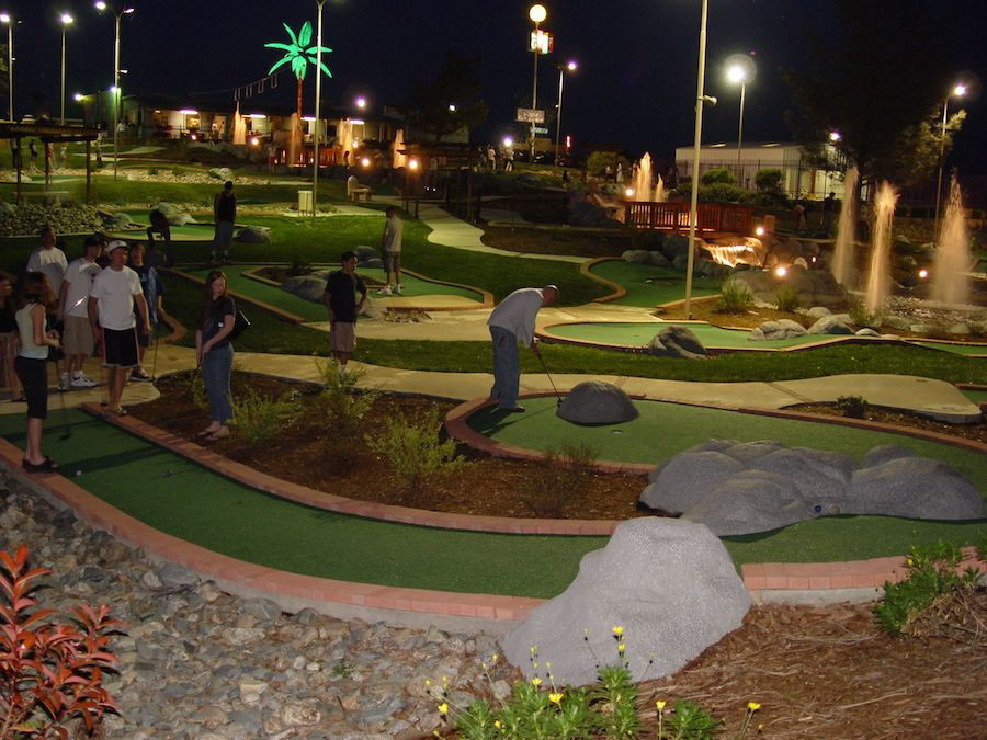 oasis-fun-center-gallery-miniature-golf-course-2.jpg
