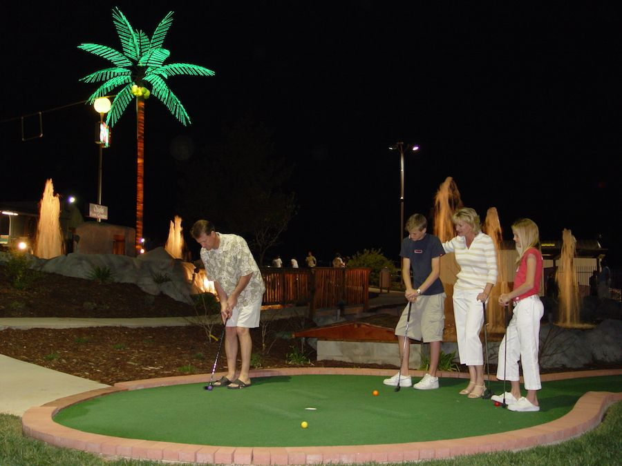 oasis-fun-center-gallery-miniature-golf-course-4.jpg