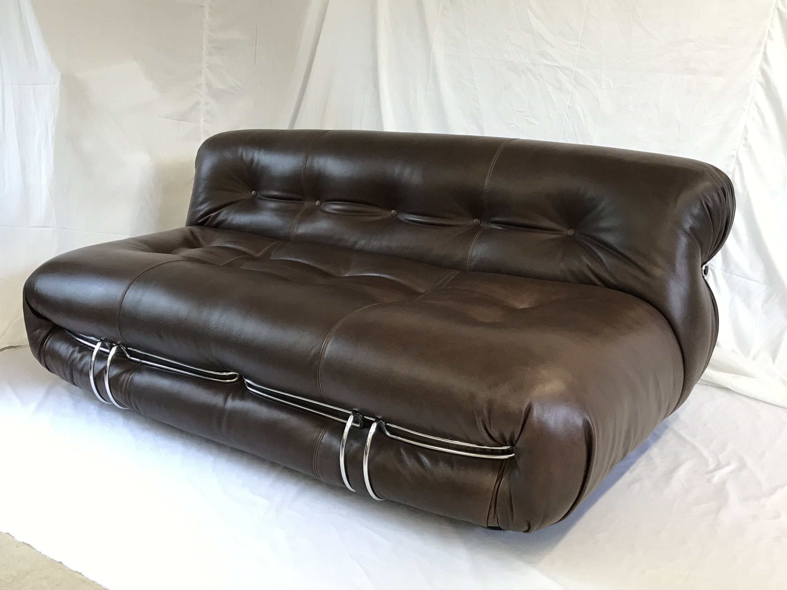 restored Soriana sofa, design Tobia Scarpa for Cassina, 1970s, dark brown luxury leather