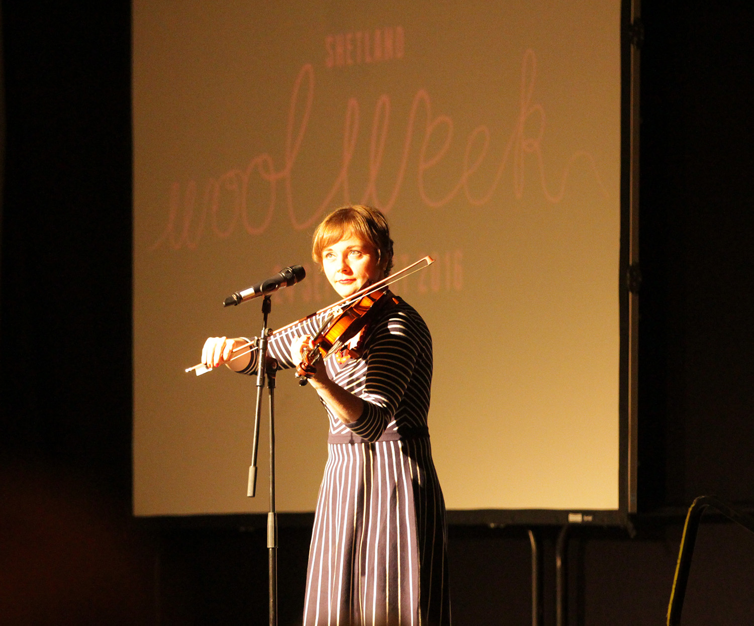I got to try out a super-fancy zoomy lens (thanks to proper photographer  Scott Goudie !) to get this shot of Claire White who was compere for the evening.